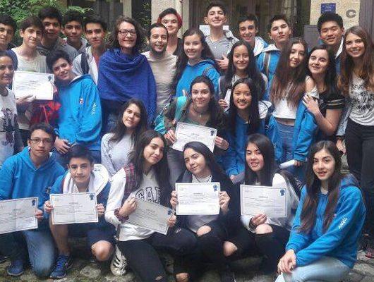 Un groupe de Chiliens diplômés !